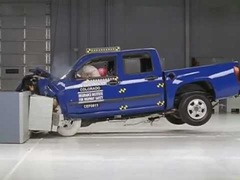 CAR CRASH TEST Chevrolet Colorado