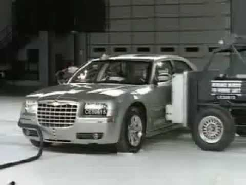 CAR CRASH TEST Chrysler 300