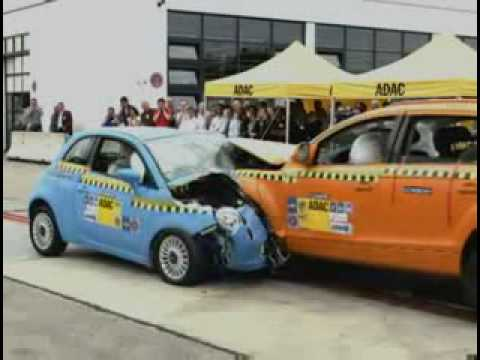 CRASH TEST - Fiat 500 vs Audi Q7