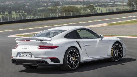 Модернизированный cпорткар Porsche 911 Turbo. Детейлинг суперкара