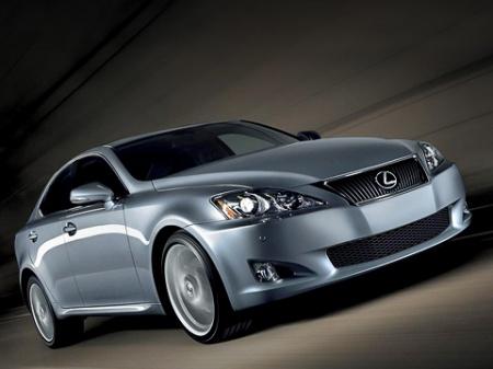 Седан Lexus IS (обновленная версия)