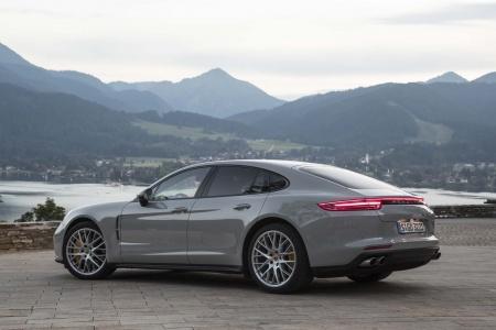 Авто. Обзор линейки Porsche Panamera